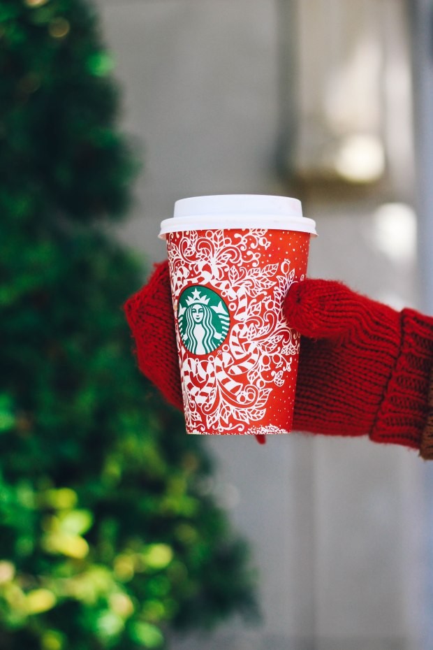 festive holiday coffee // My Christmas List {Happily Lindsey blog}