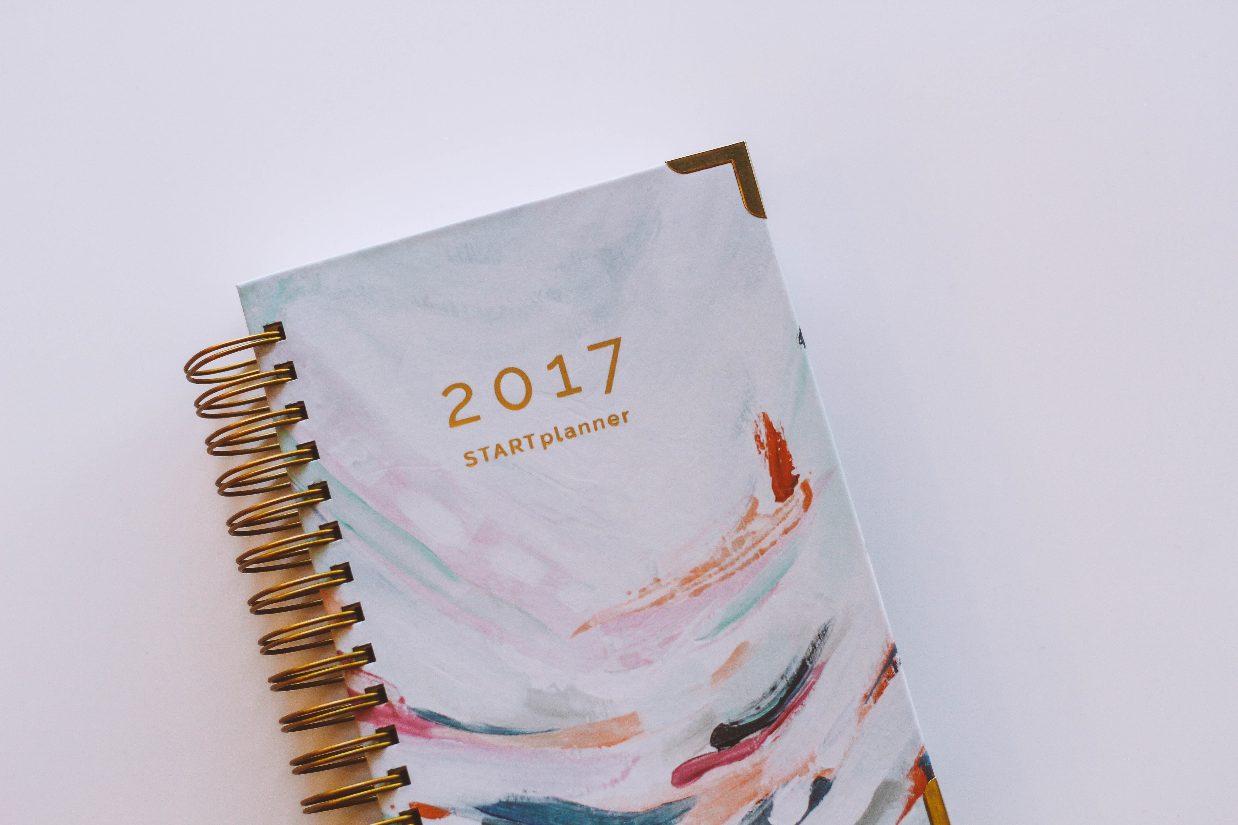 Thought on 2016 & the New Year + START Planner Giveaway // Happily Lindsey blog